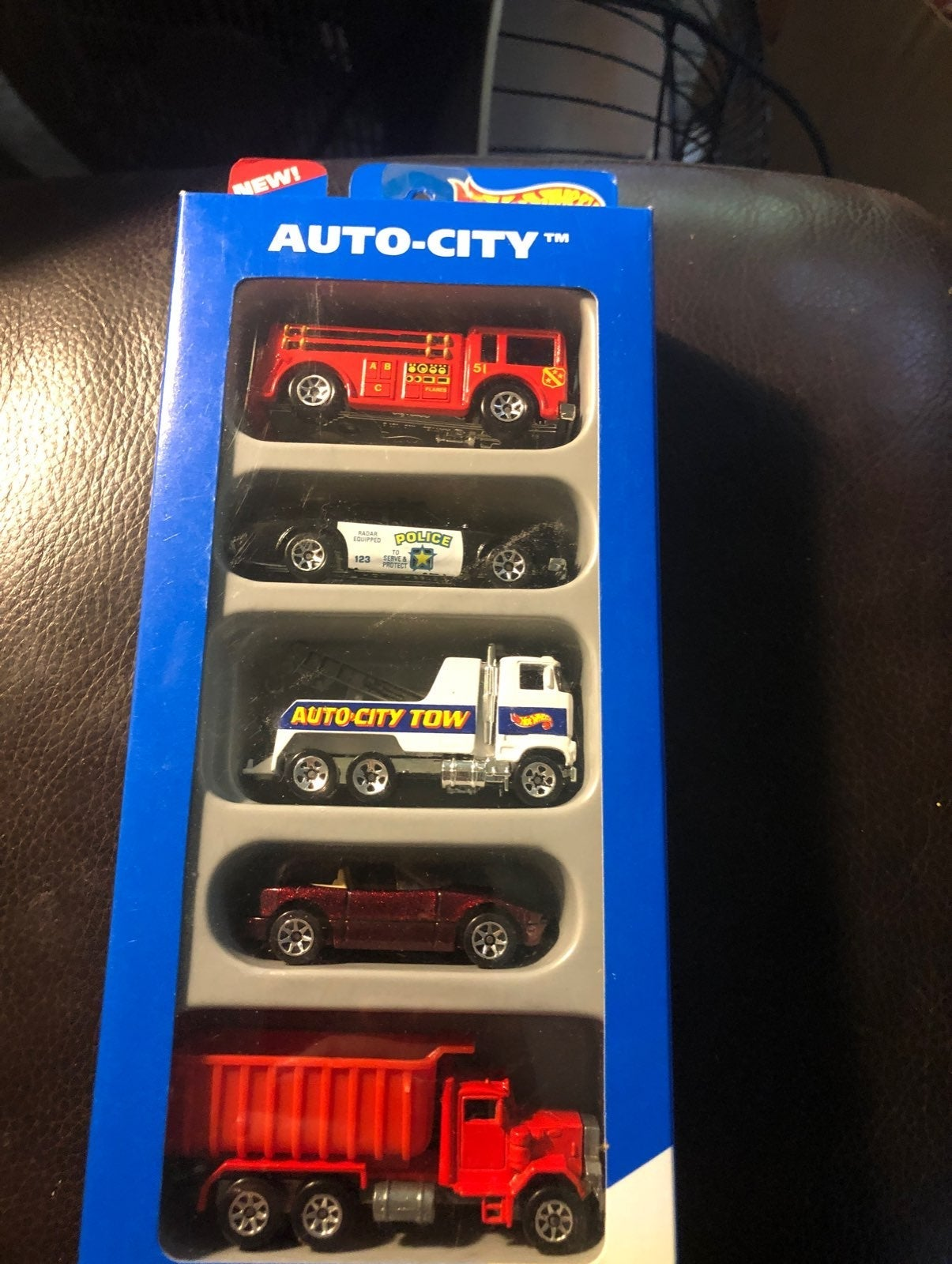 BRAND NEW - Hot Wheels Auto-City