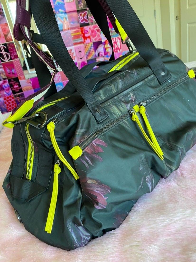 Lululemon duffel bag