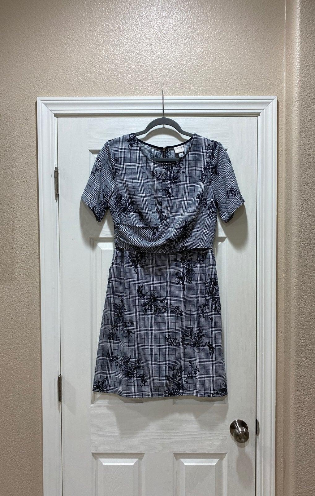 Plaid short sleeve dress