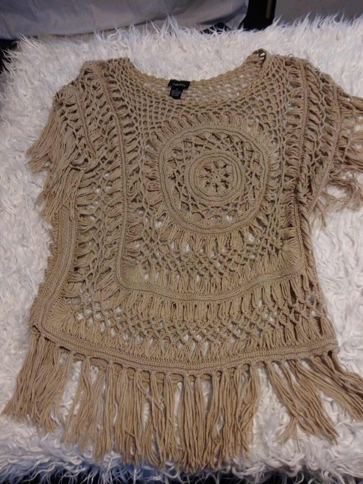 Women's beige crochet Fringe top medium