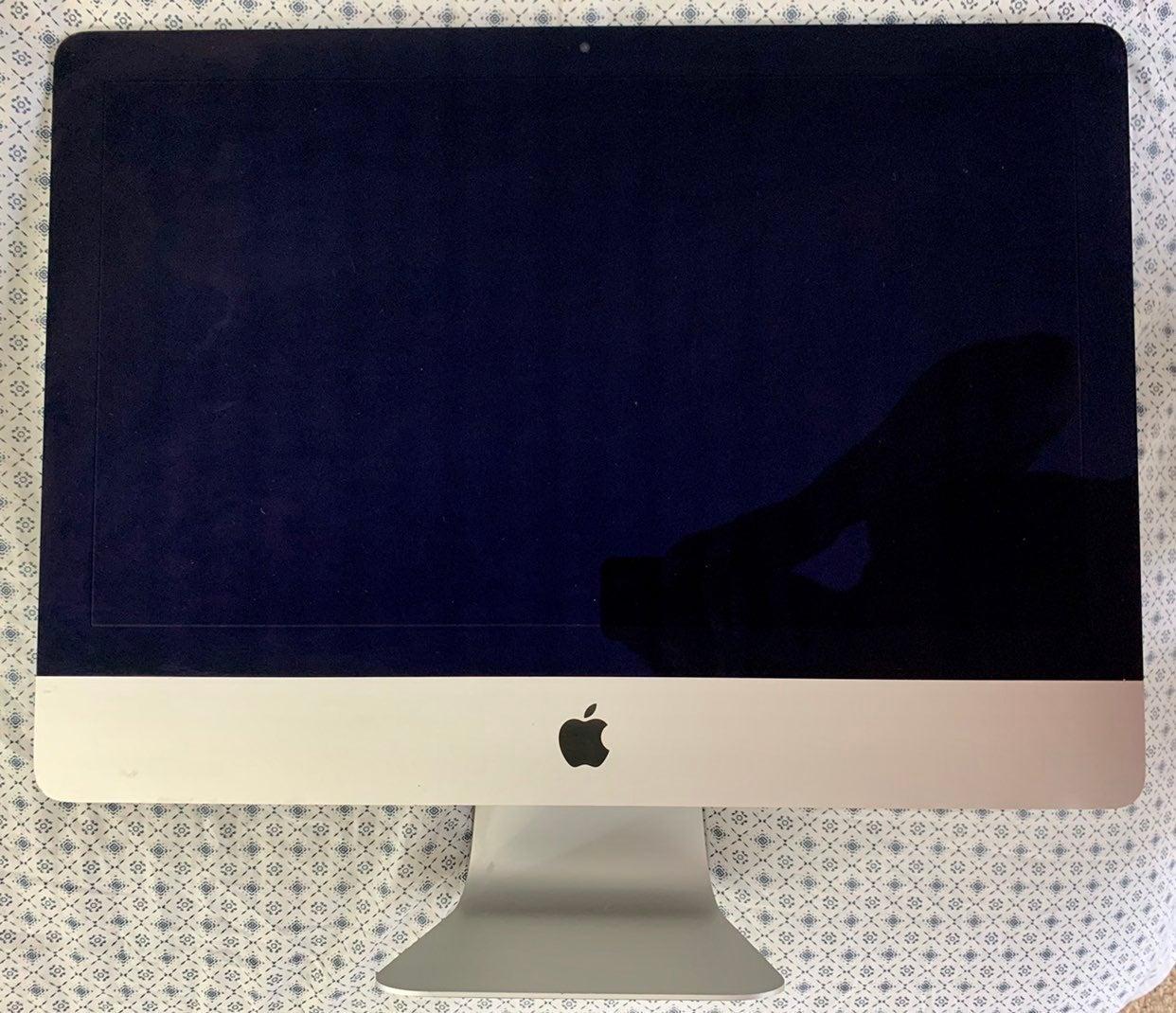 """iMac 21.5"""" i5 8GB/ 1TB Late 2013 OS/WIND"""