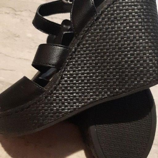 sandals size 10 women's