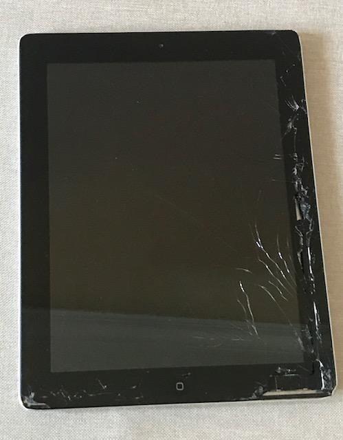 Working Apple iPad 2 16GB Cracked Screen