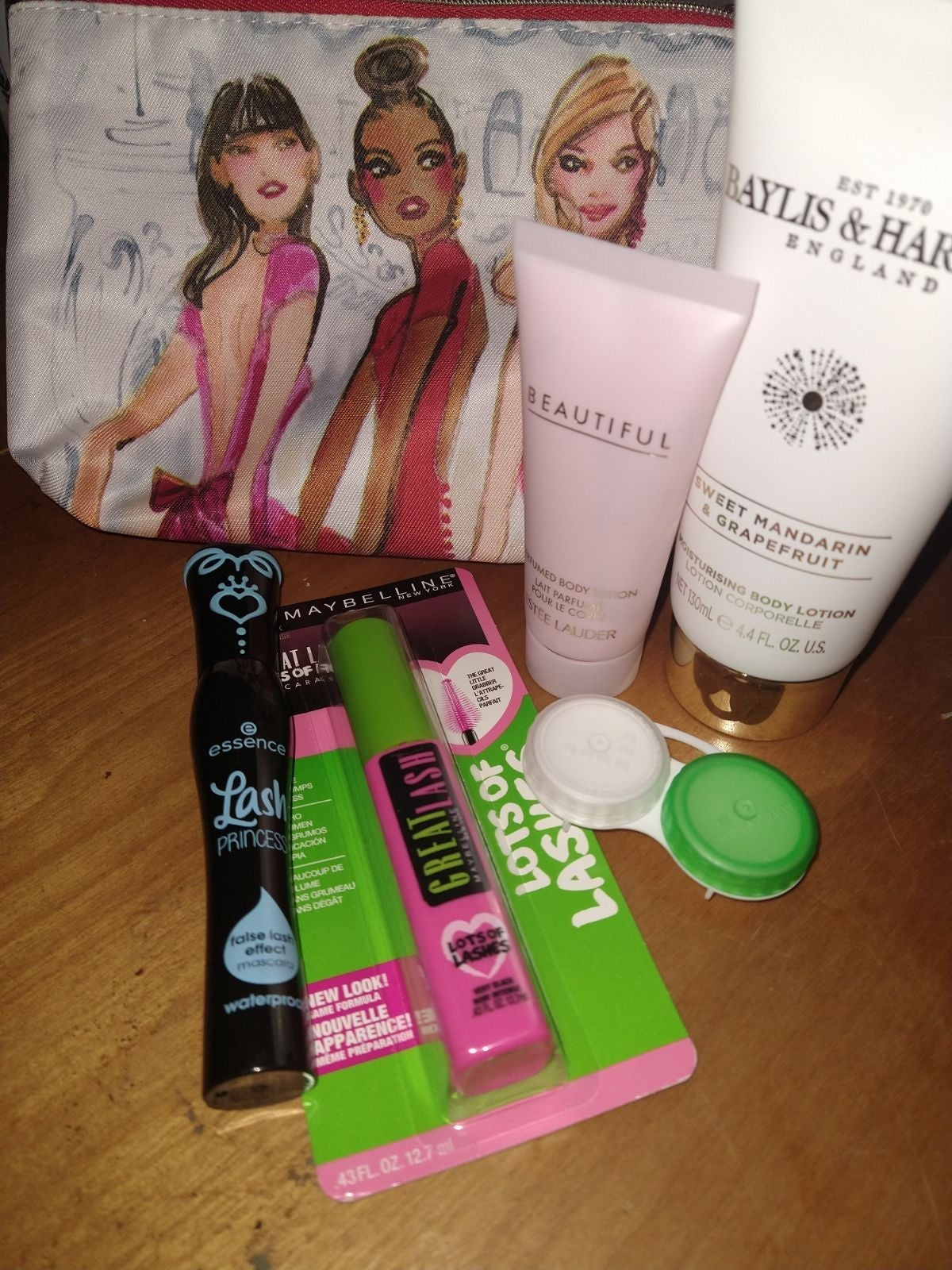 Makeup Travel Bundle Maybelline Essence
