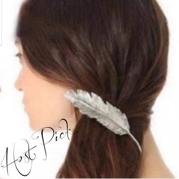 Brandy Melville Feather Silver Hair Clip