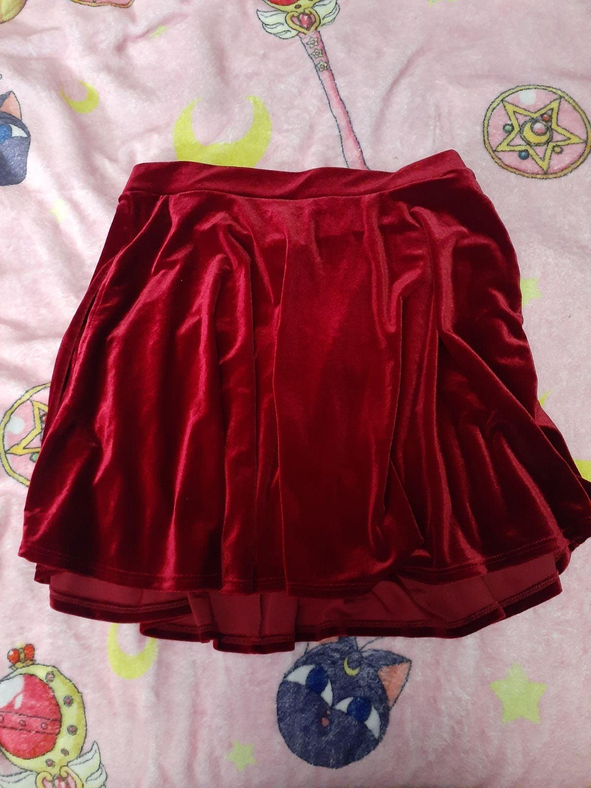 Hottopic velvet skater skirt size M