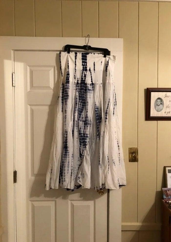XL White & Blue Tie Dye Long Skirt