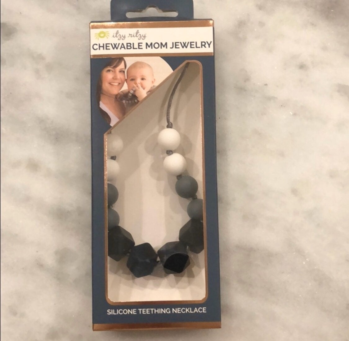 NWT Itsy Ritzy teething necklace