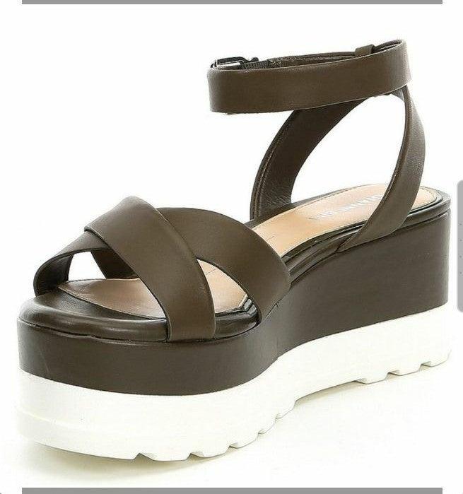 Gianni Bini Dartann Platform Sandals