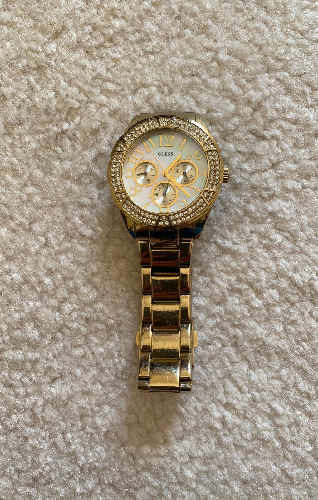 Guess watch for women - needs battery