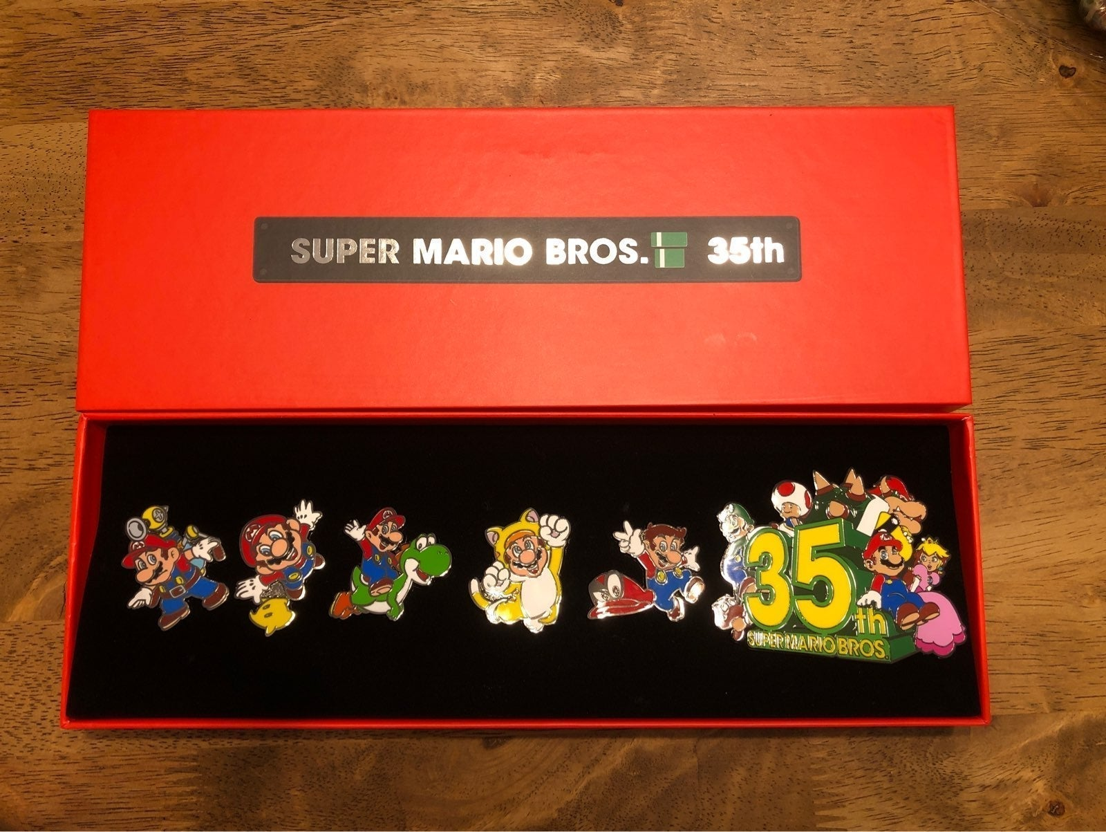 Super Mario 35th Anniversary Pin set #2