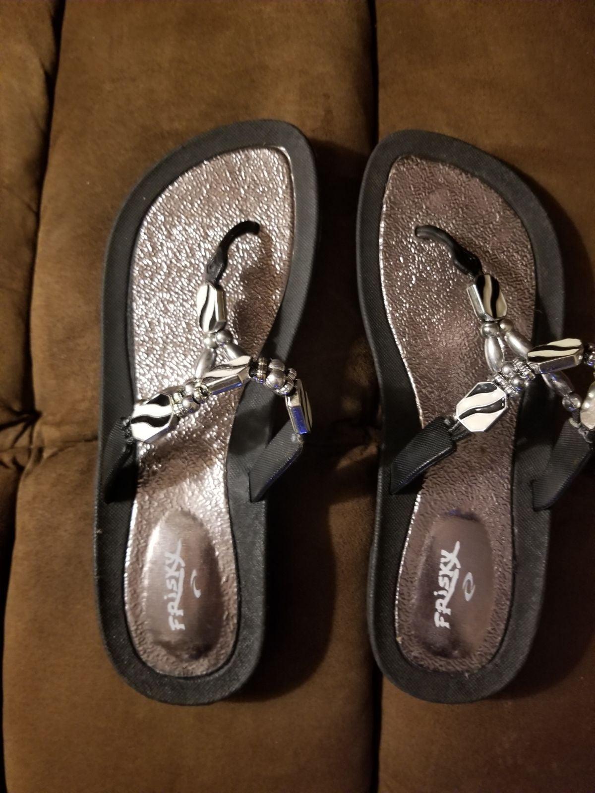 Women's flip flops-Size 11-Like new