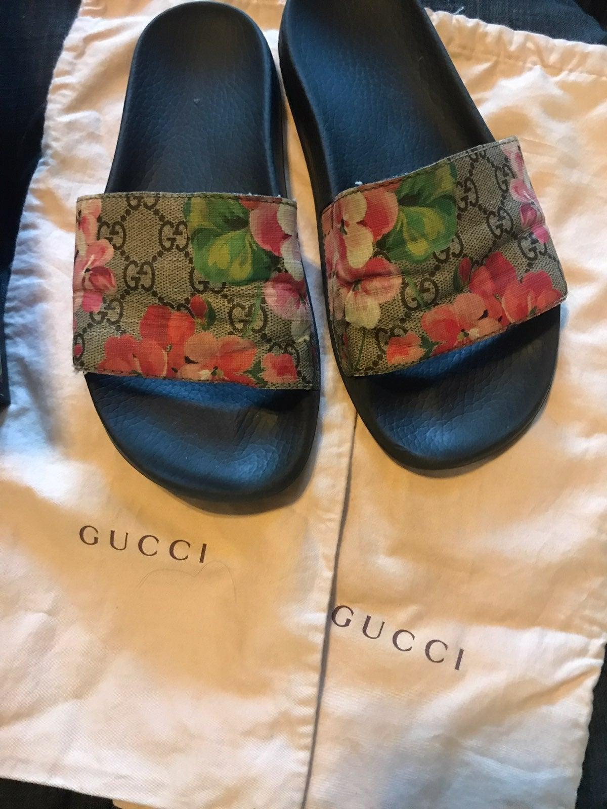 Gucci Pursuit Bloom Slide Sandals
