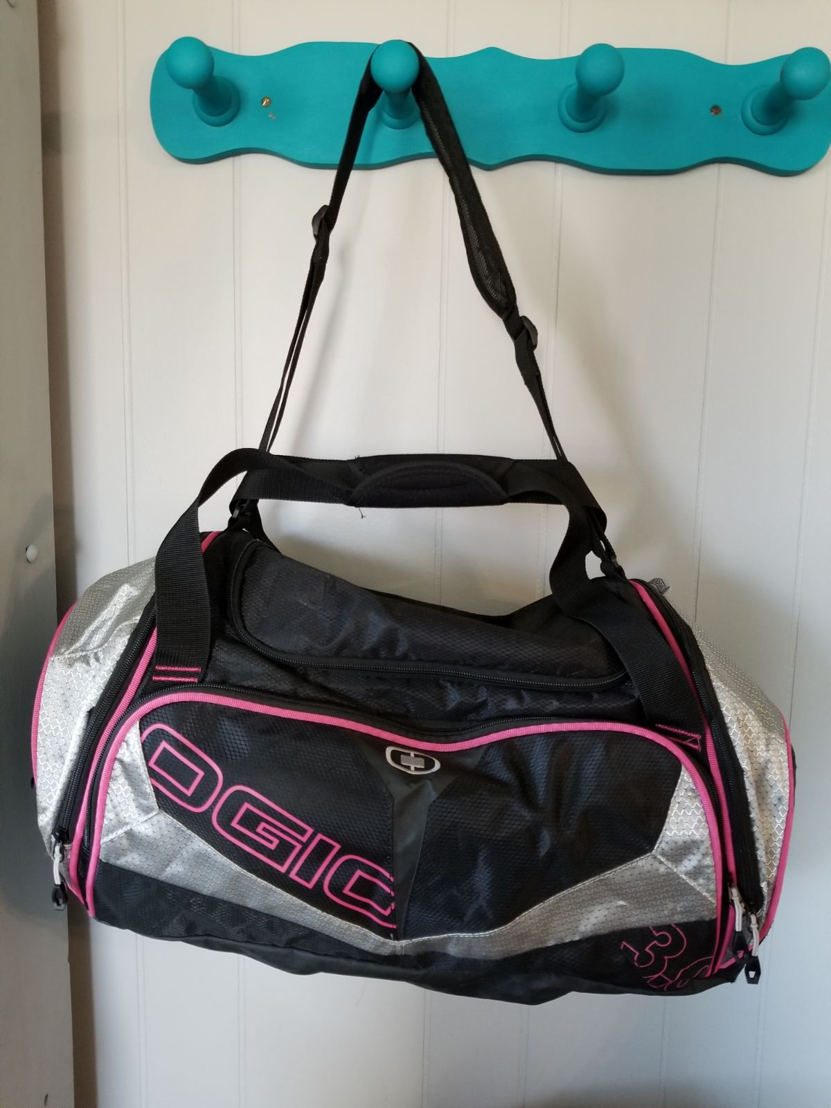 Ogio Endurance Duffel Bag 3.0 Magenta