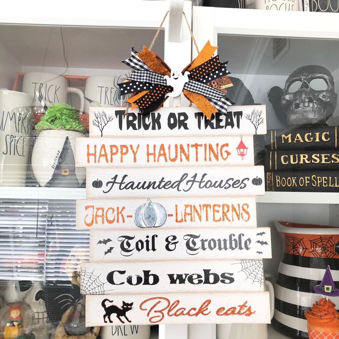 Halloween Farmhouse Style Wall Sign