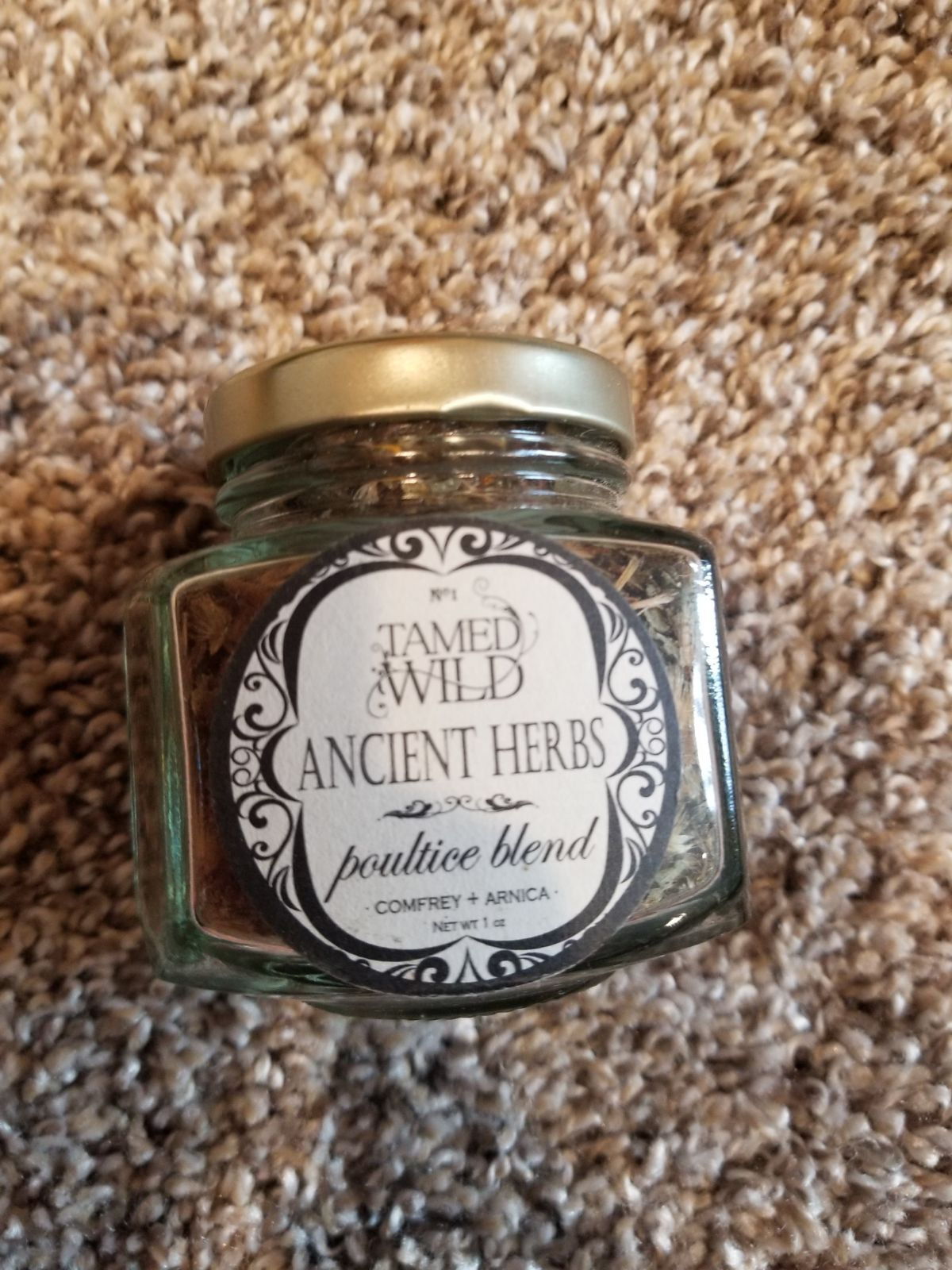 Tamed wild ancient herbs poultice blend