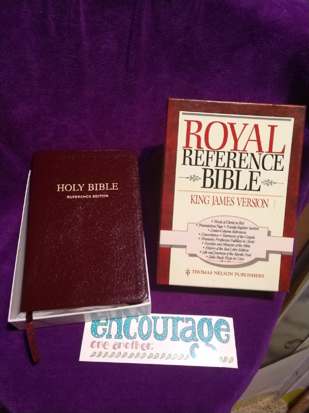 1982 Royal Bible Red word edition/Box