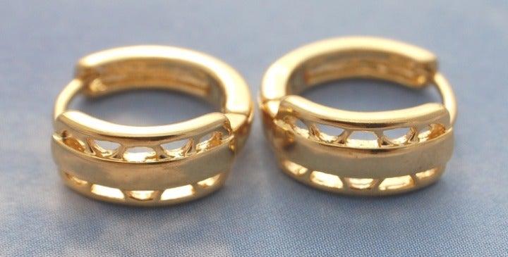 12mm Pattern Huggie Earrings Yellow Gold