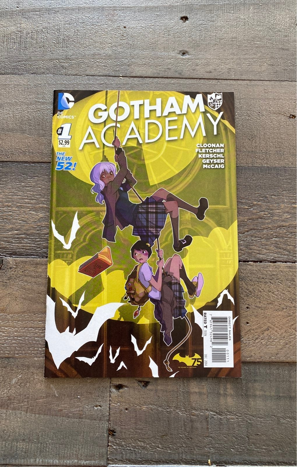 Gotham Academy #1 Cover A 1st print!
