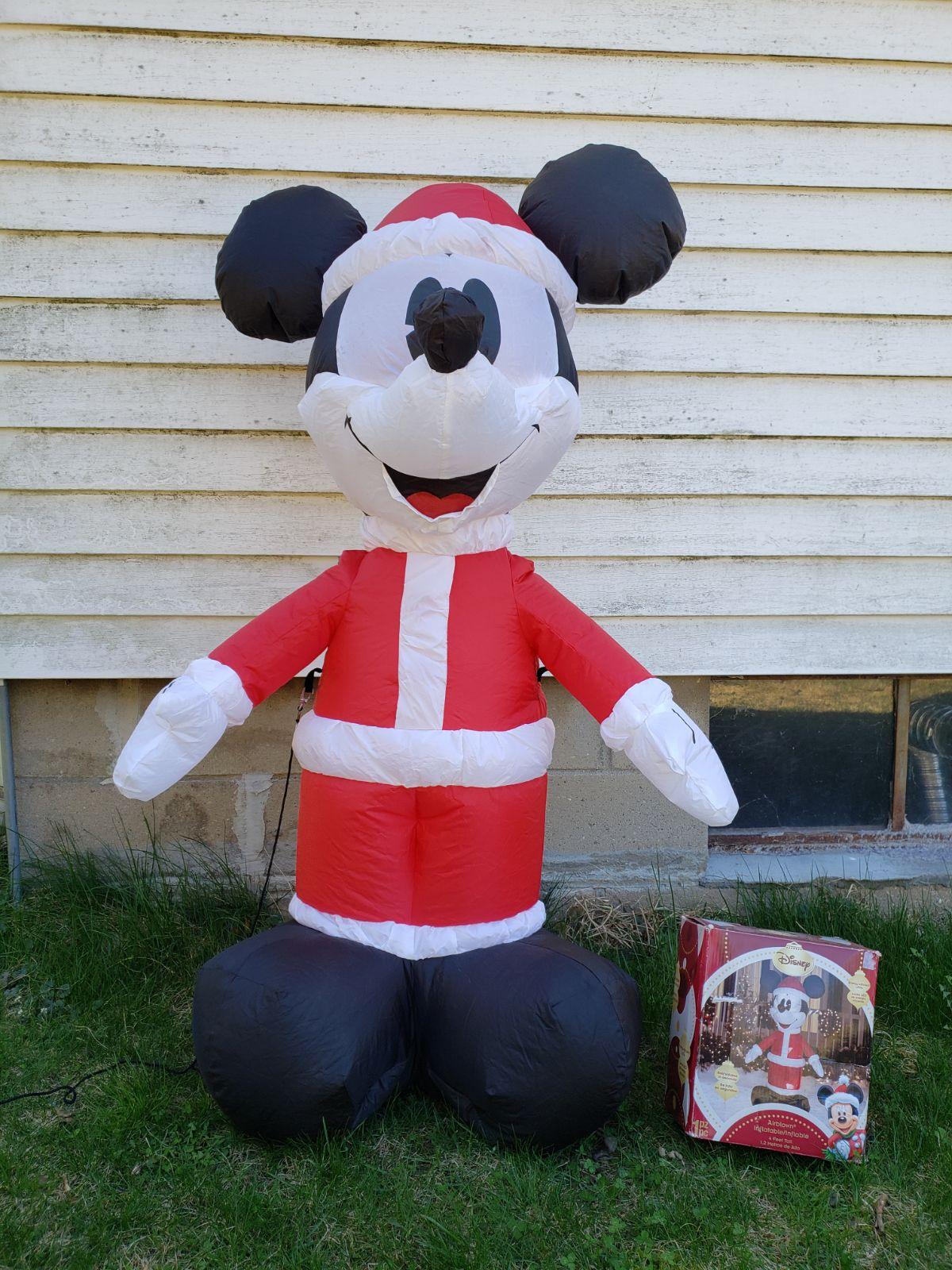 Gemmy Disney Mickey Christmas Inflatable