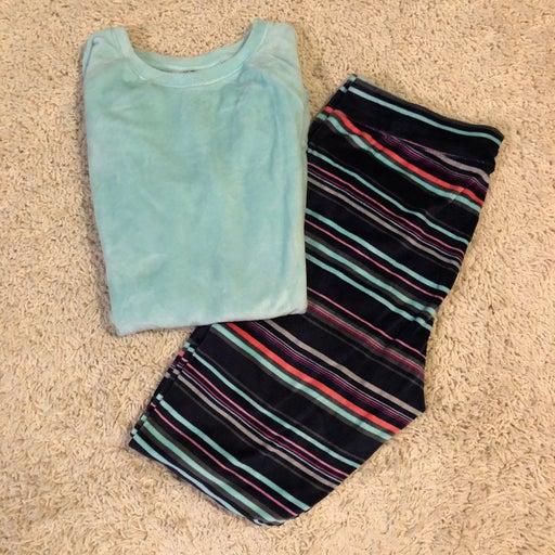 Cuddl Duds Two piece Pajama Set