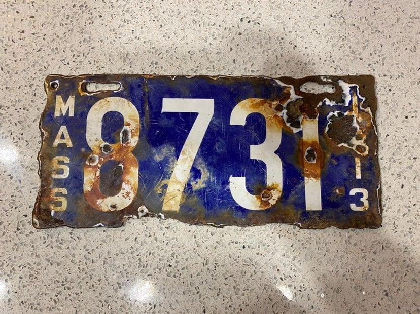 PORCELAIN 1913 massachusetts license pla