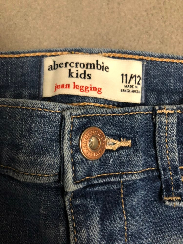 EUC Abercrombie kids Jean legging size 1