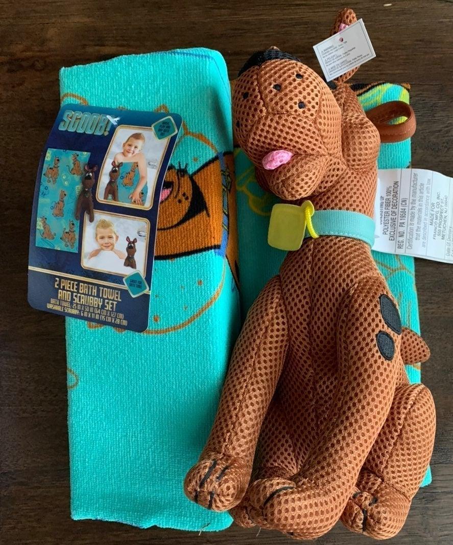 Scooby Doo Towel & Scrubby Tub Toy Set