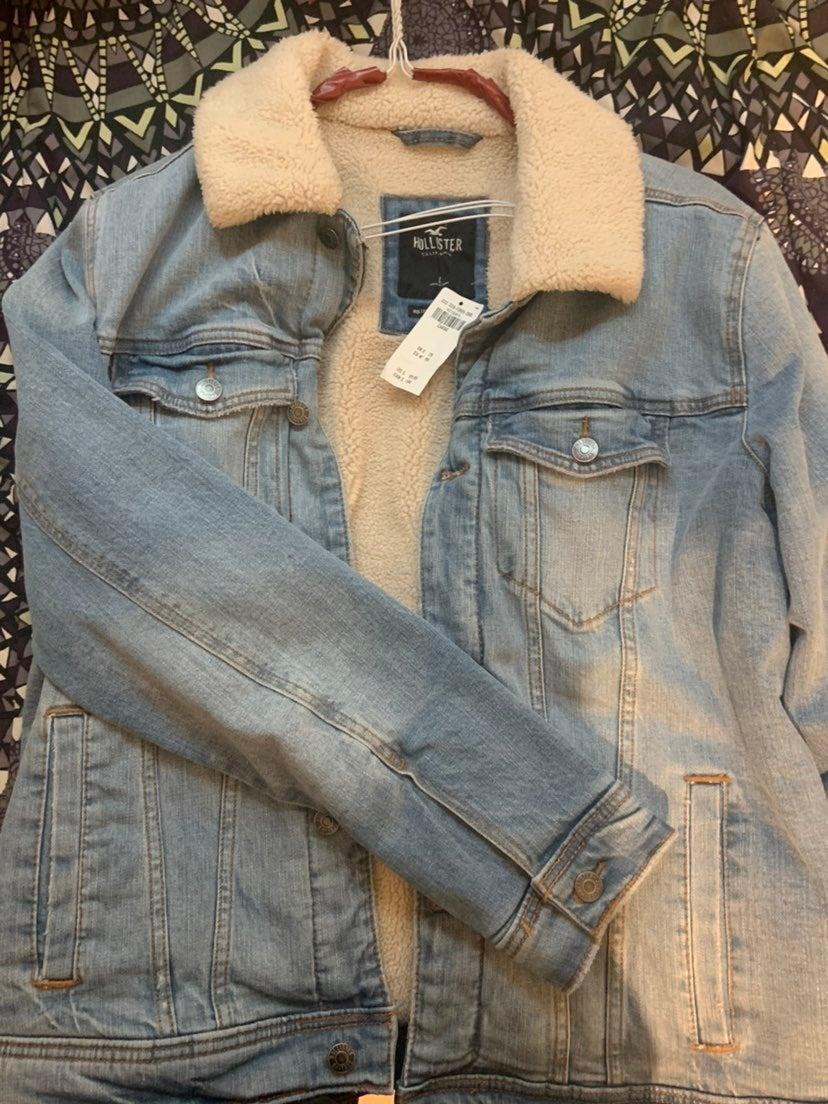 Holister sherpa  jean jacket
