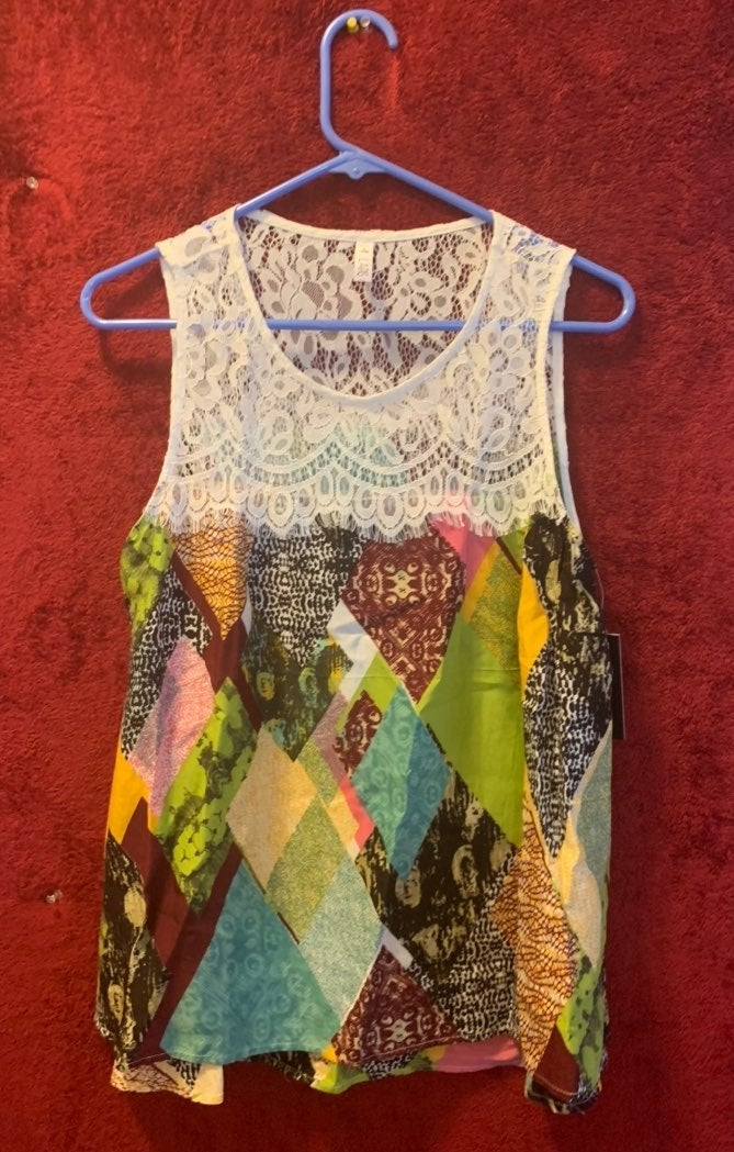 Womens tank top with lace