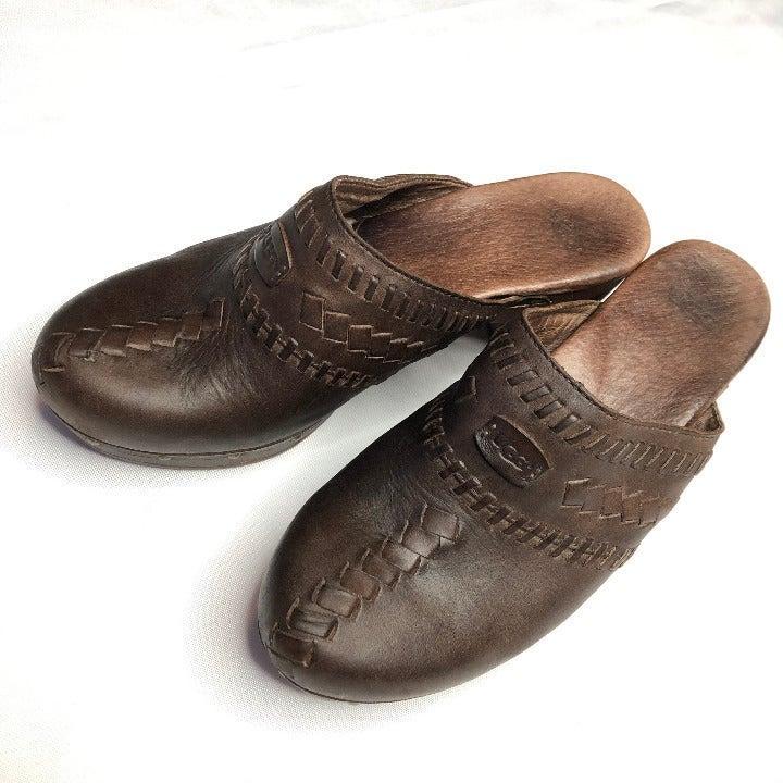 UGG® Australia Leather Vivica Clogs Mule