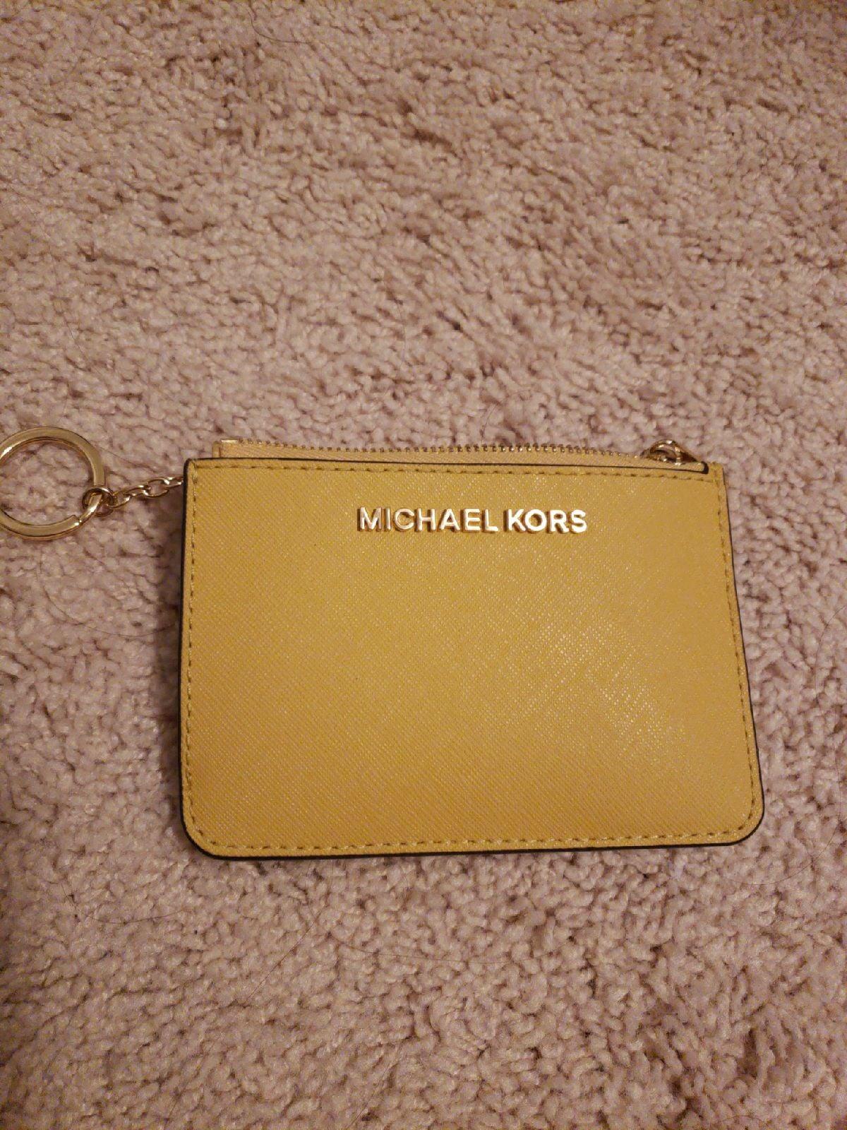Michael kors keychain jet set wallet