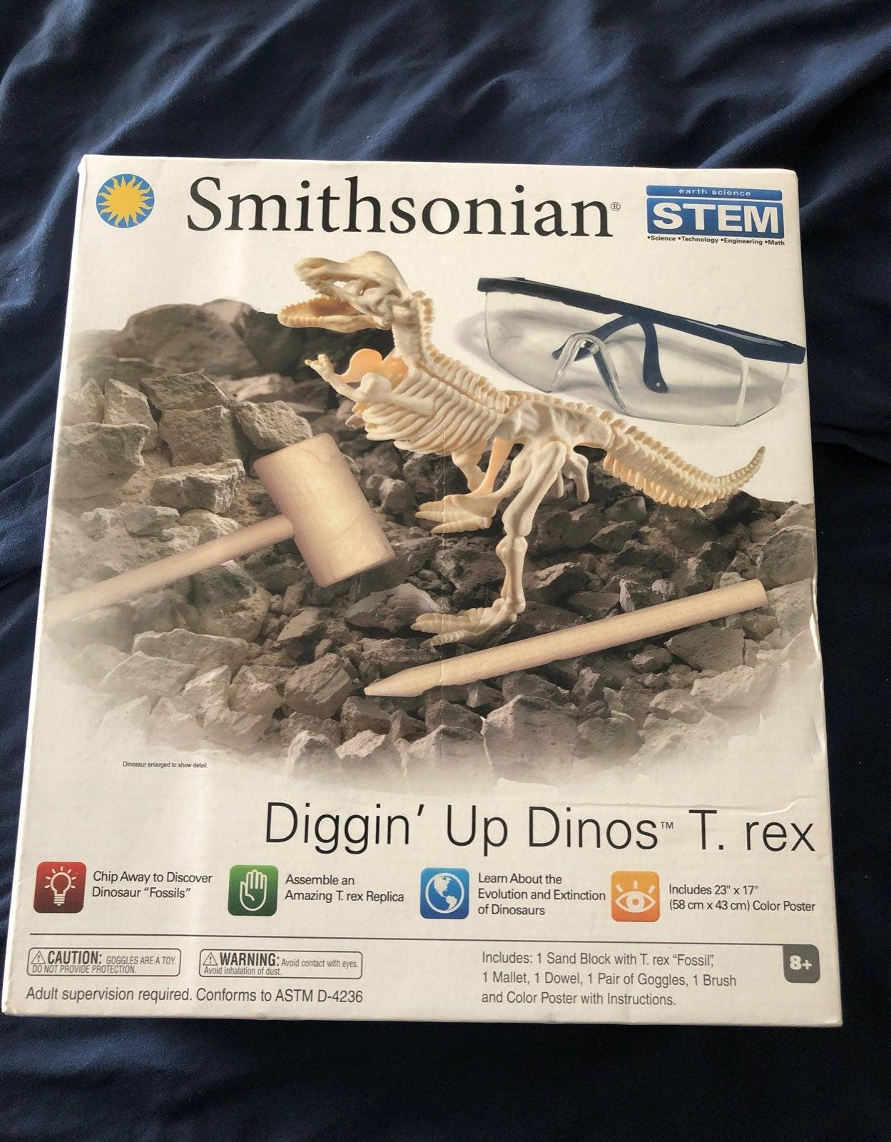 Smithsonian diggin up dinos