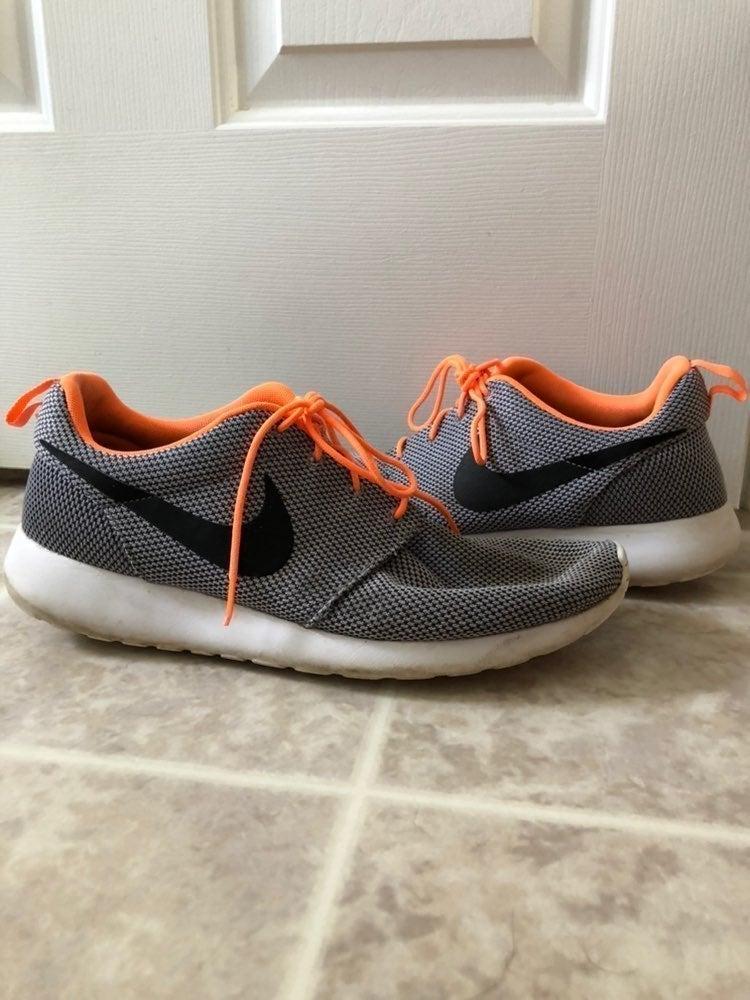 Nike Rosherun Grey Black Orange Athletic