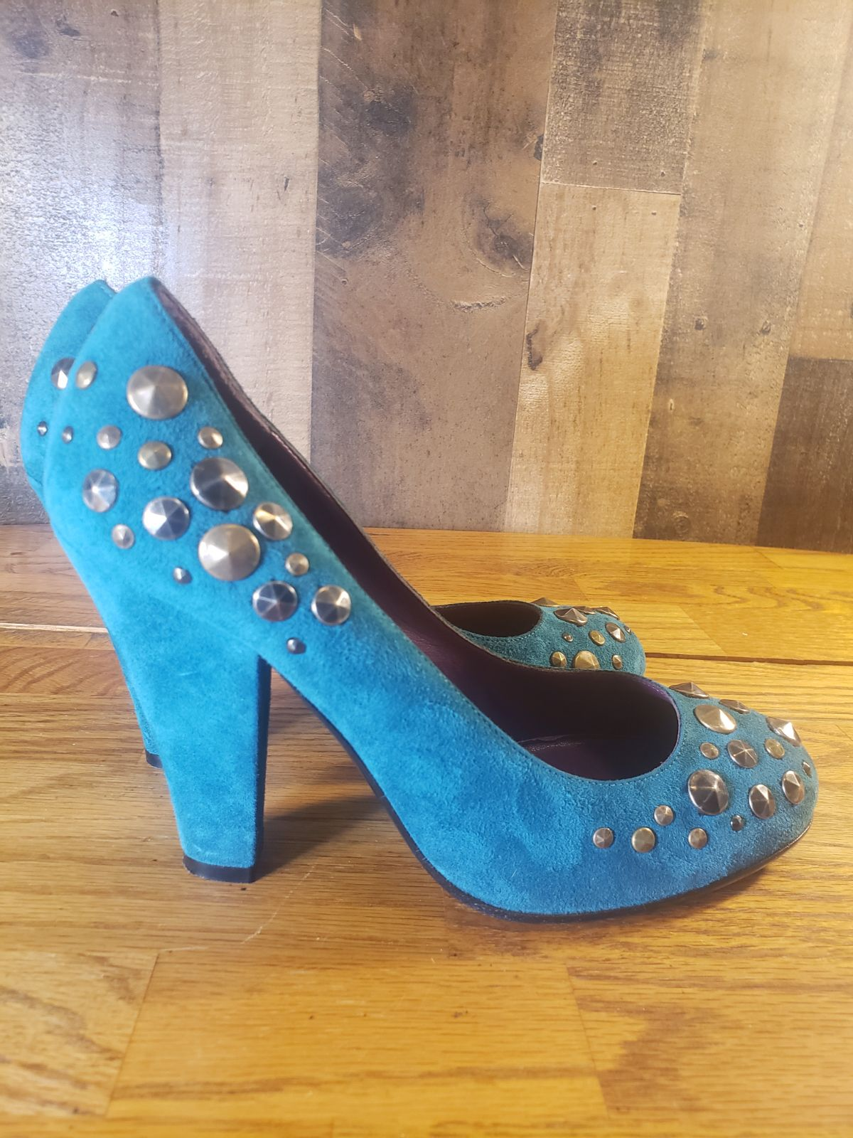 Marc jacobs teal suede studded pump 37.5
