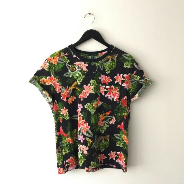 H&M Divided Floral Graphic Tee Shirt M