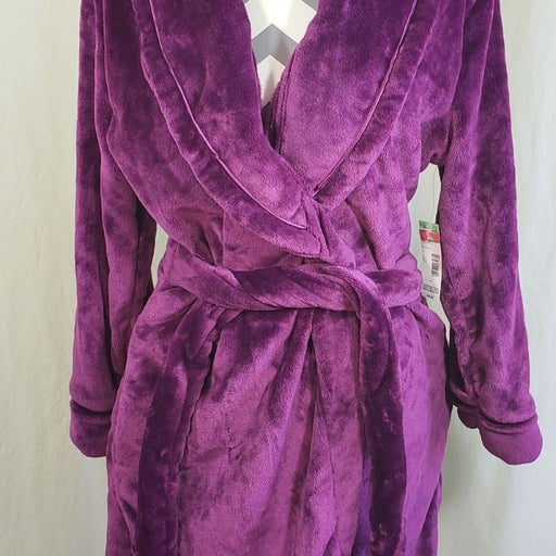 Covington Women's Plush Robe W/slippers