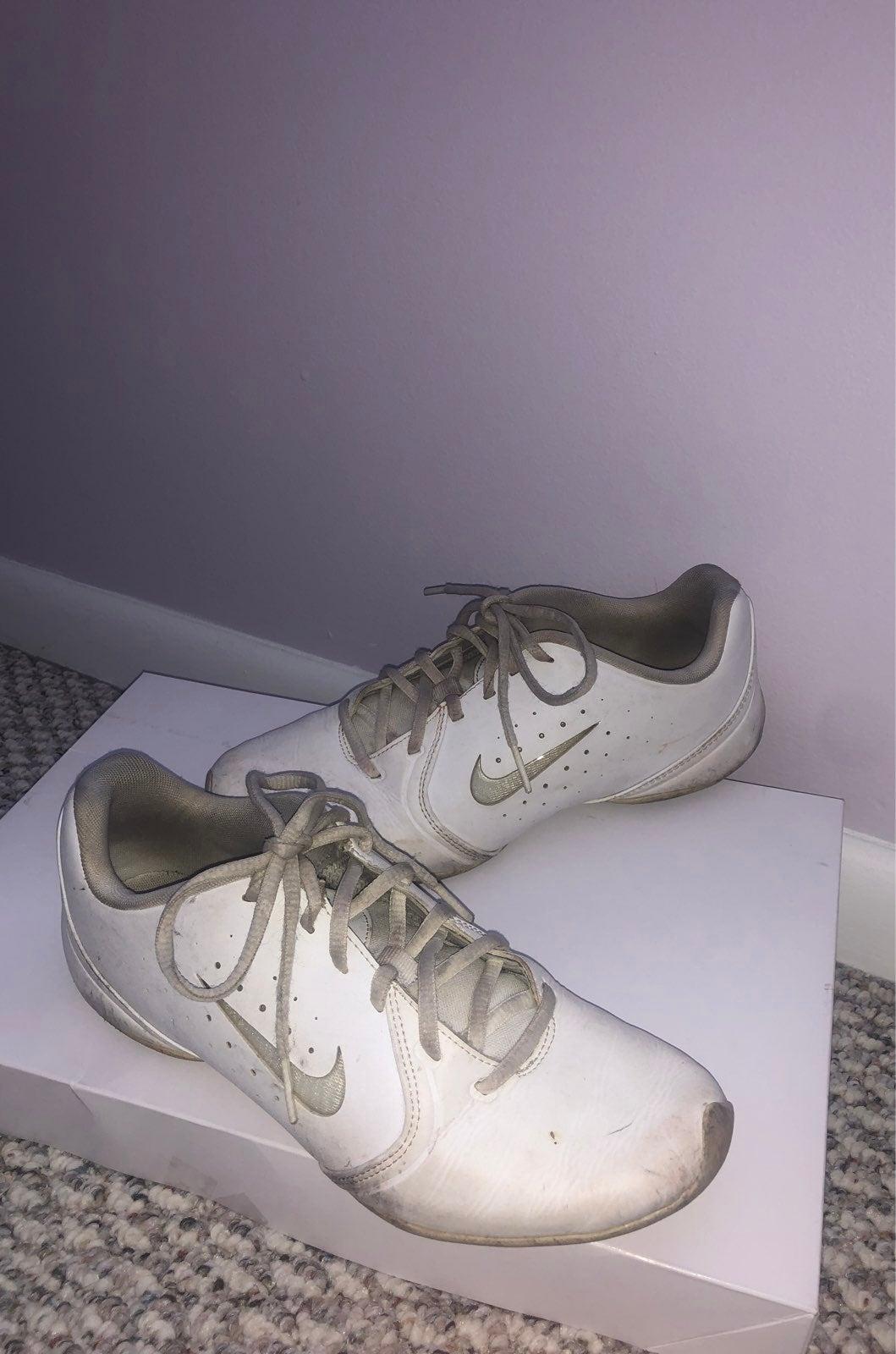 Nike Pro White Tennis Shoes