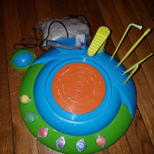 Motorized pottery wheel for kids