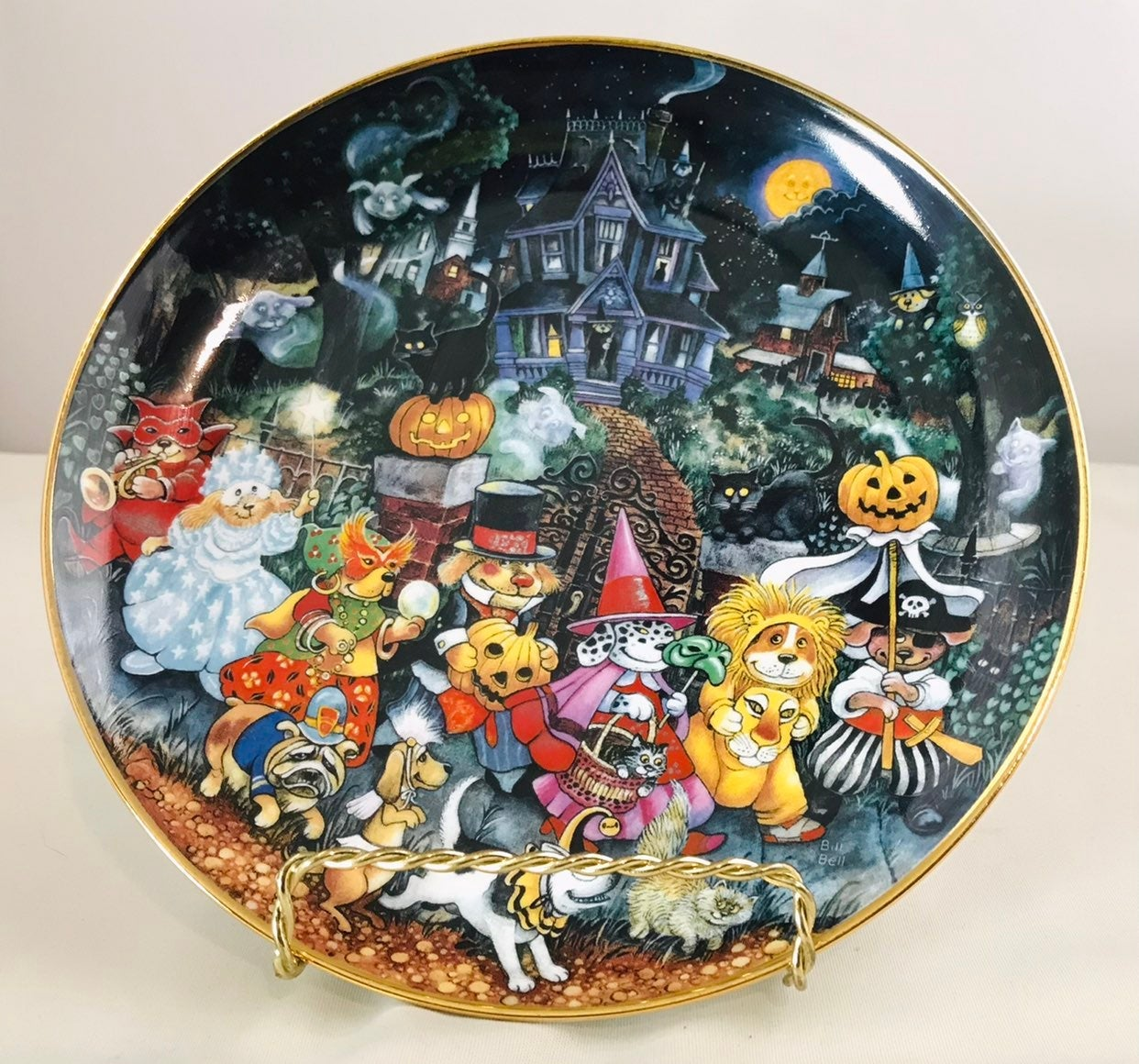 Franklin Mint Ltd. Howl-O-Ween Plate!