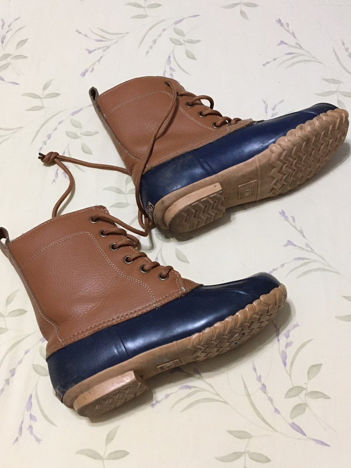 Plaid Lining Leather Duck Boots