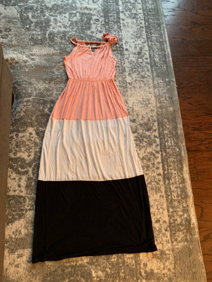 Lot of 3 pink blush maternity dresses