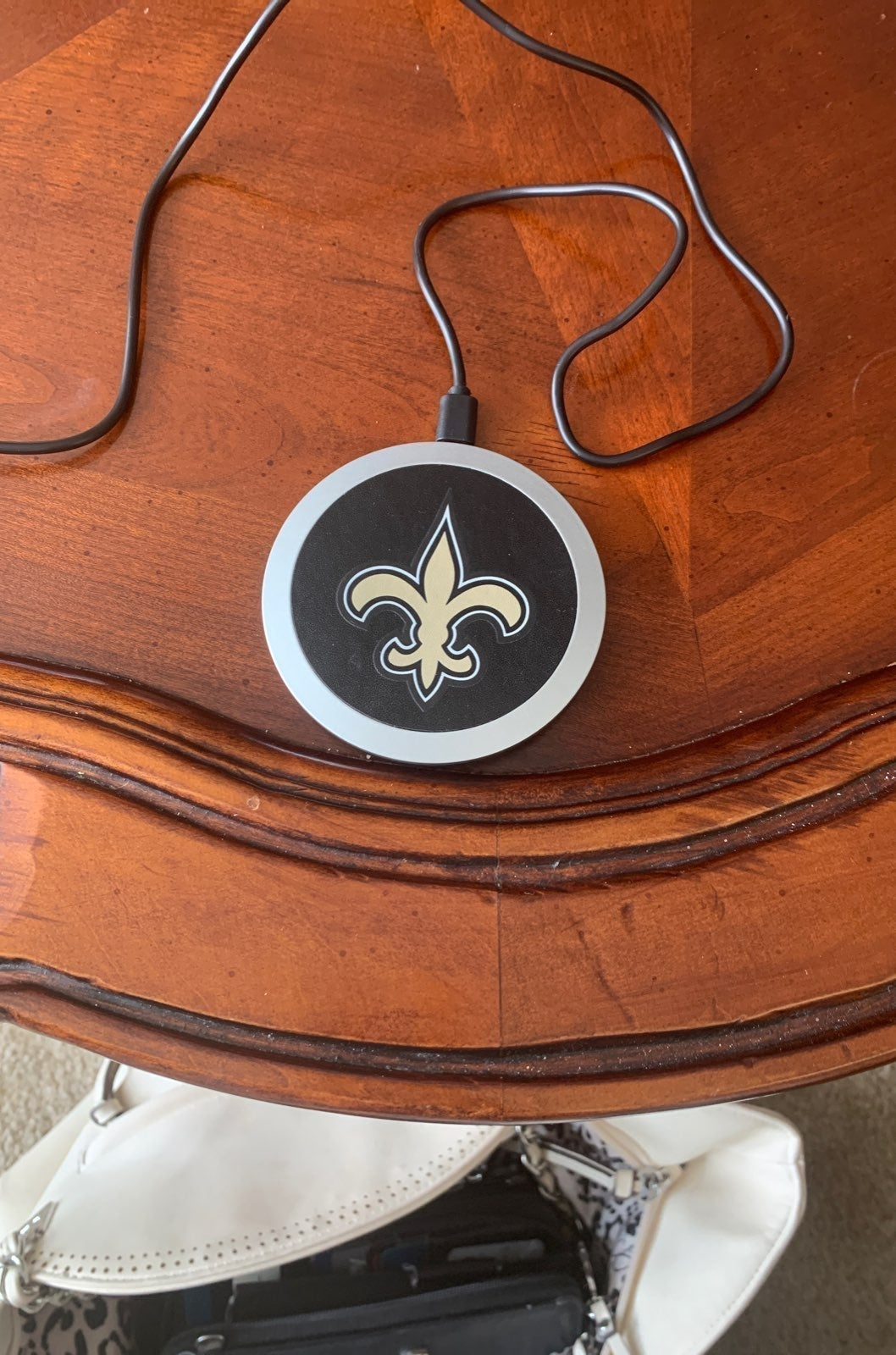 NFL New Orleans Saints Wireless charging