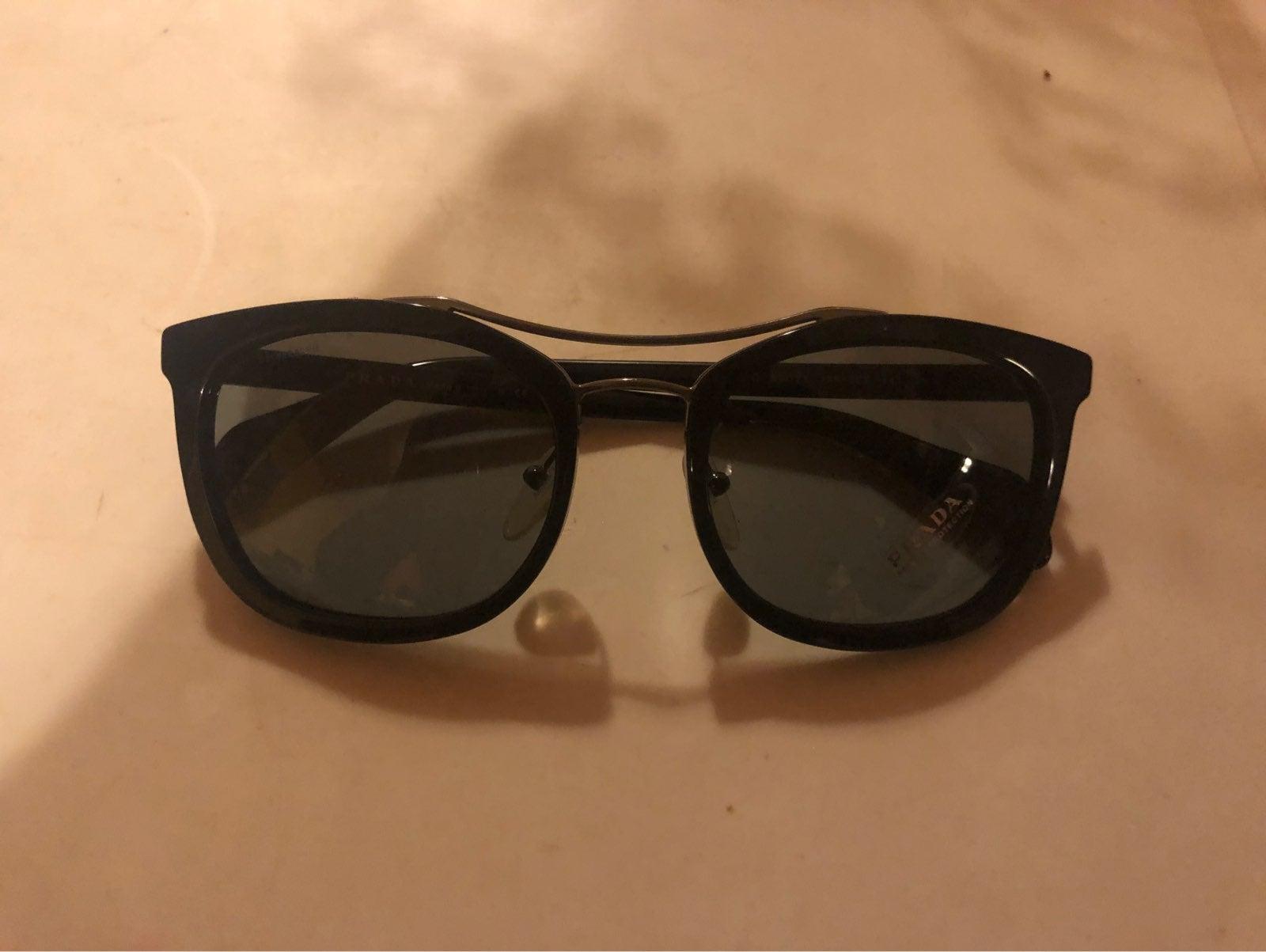 Prada Sunglasses SPR 17Q