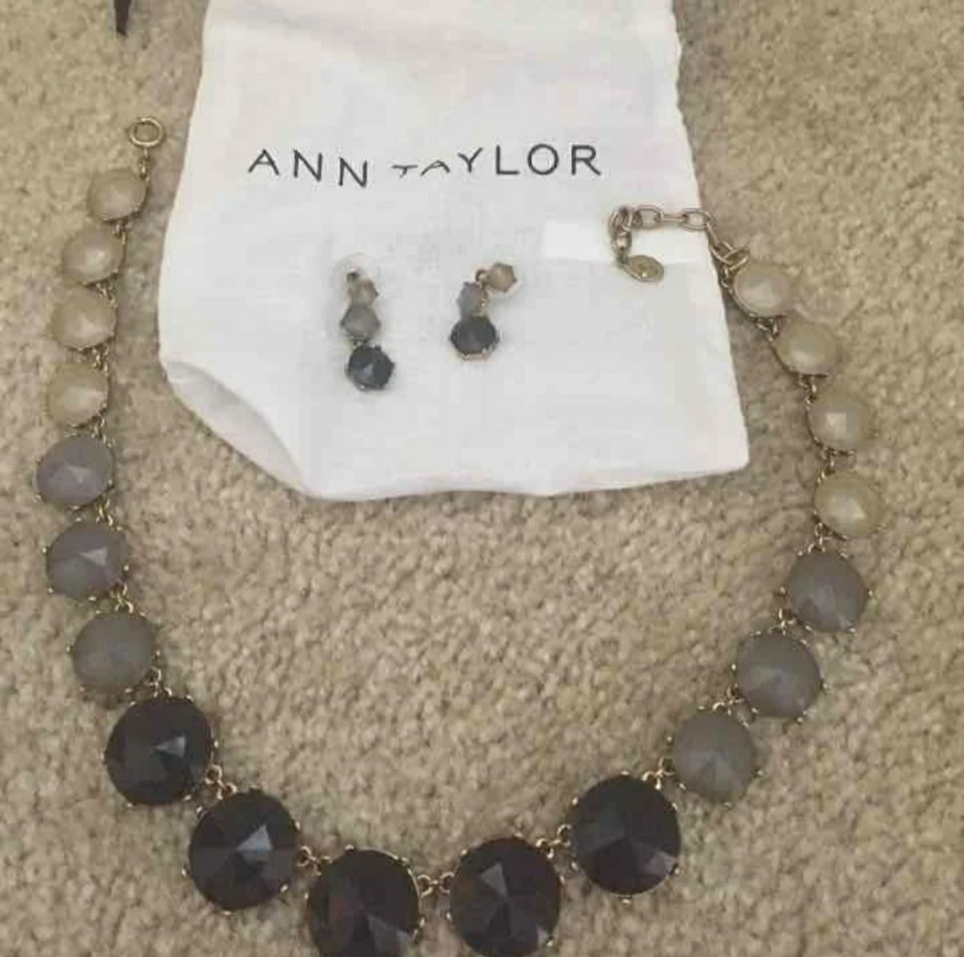 Anne Taylor ombre gray necklace and earr