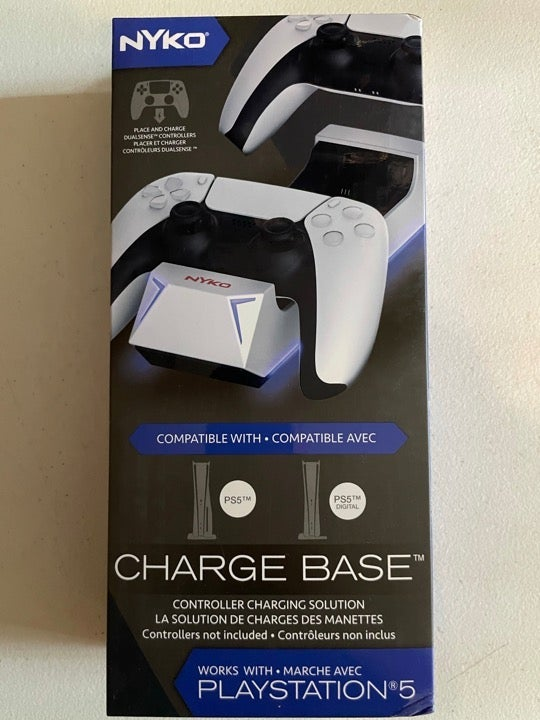 PlayStation 5 Charging Base w batteries