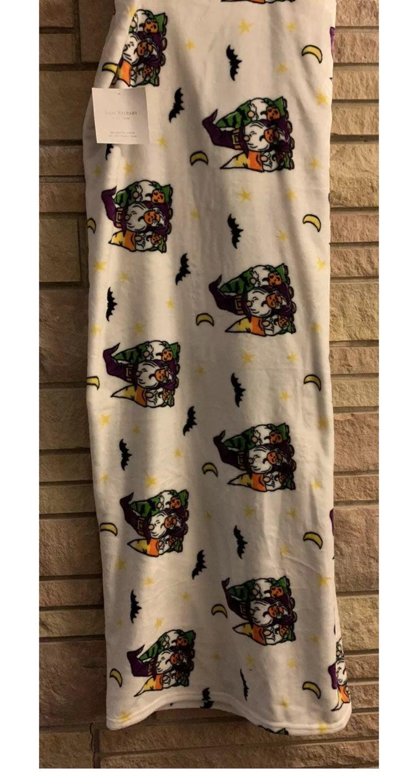 Isaac Mizrahi Decorative Throw Ultra Plush Blanket 60x70 Gnomes Halloween Soft