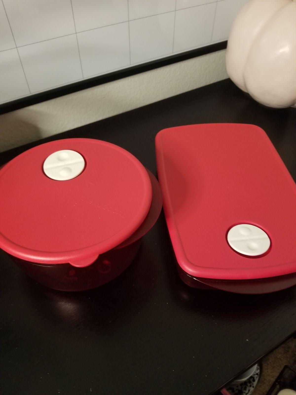 Tupperware Crystalware Set
