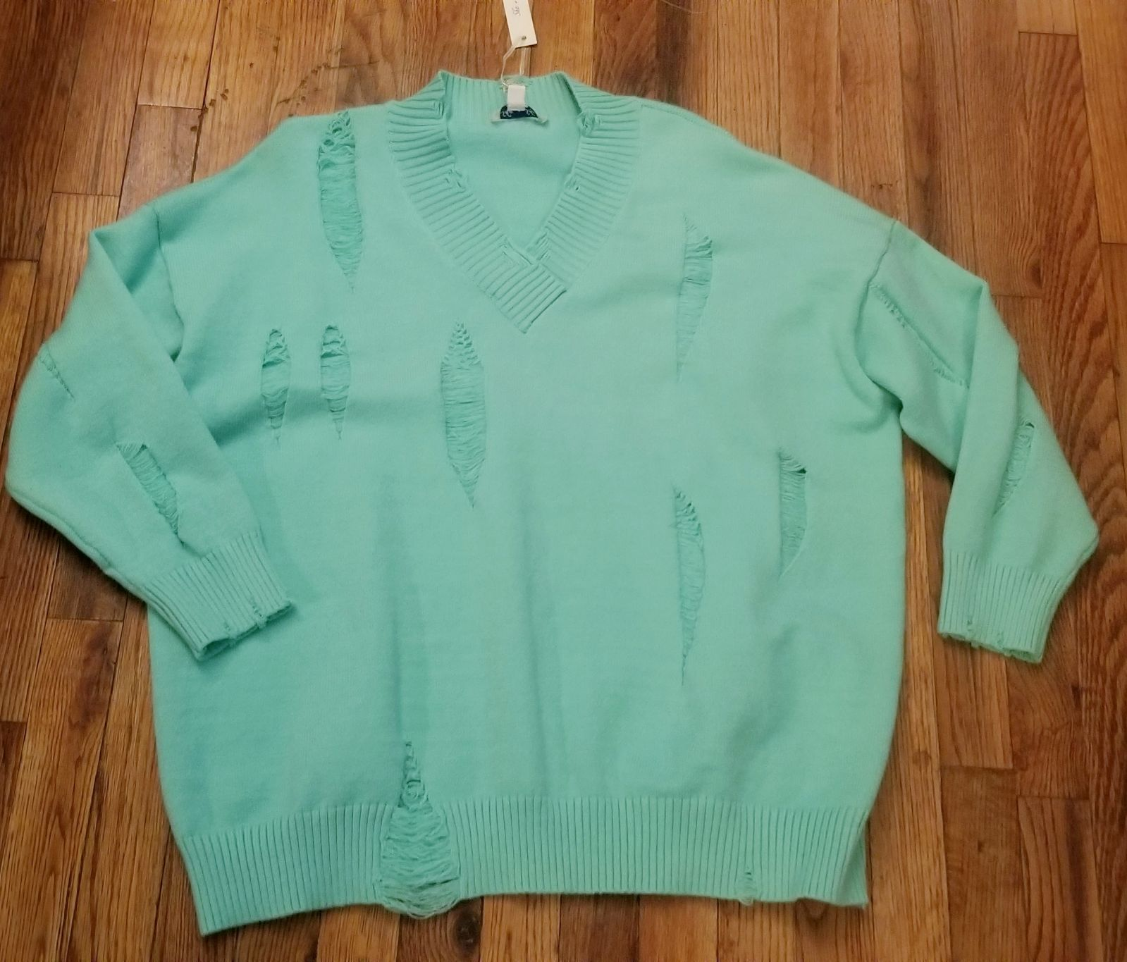 BOUTIQUE Distressed Sweater L/XL