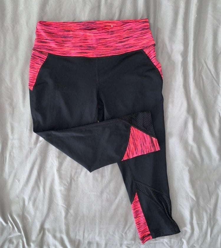 Medium Workout Leggings Pink and Black l